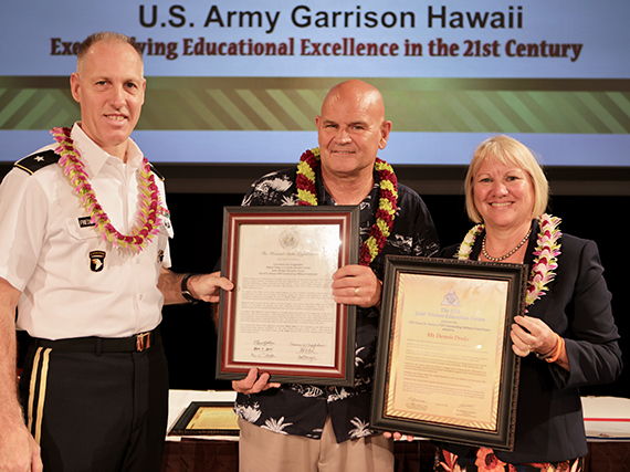 Photo of 2018 Daniel K. Inouye JVEF Outstanding Military Contributor Commendation Award to Mr. Dennis Drake.